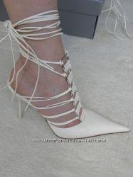 Элегантные белые босоножки на шнуровке Gianmarco Lorenzi. Оригинал