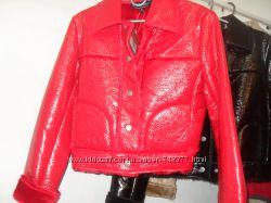 Очень красивая лаковая курточка Англия