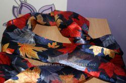 Красивый осенний шарф