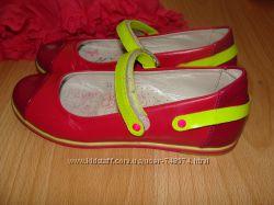 Шикарные туфельки  BARTEK р. 33