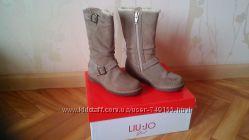 Сапожки от итальянской фирмы liu jo 26 р