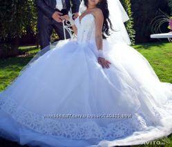 Весільне плаття від дизайнера Оксани Мухи