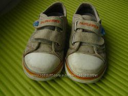 Фирменная обувь весна-лето-зима для двойни superfit clarks keen 25-28 раз