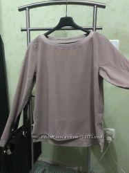 Блуза свободного кроя с атласной окантовкой С-М.