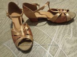 Бальные танцевальные туфли, 21. 5 см. Цена максимально снижена