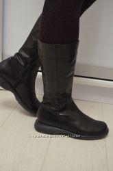 Кожаные сапоги фирмы Bata Италия р. 40 по стельке 25, 5 см