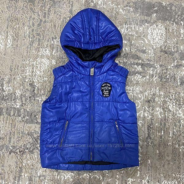 Детская теплая синяя жилетка Mexx для мальчика