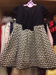 Черное платье с сердечками 3-4 года