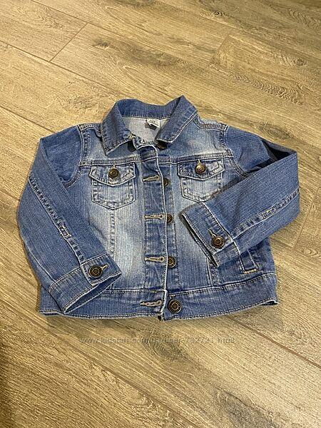 Джинсовая куртка Carters 3T на девочку