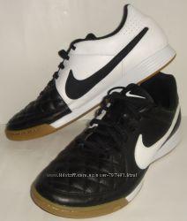 Кроссовки, футзалки Nike Оригинал Размер 42, 5 стелька 26, 5см Кожа