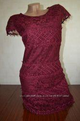 Платье с кружевом Select