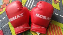 Фирменные боксерские перчатки на 5лет