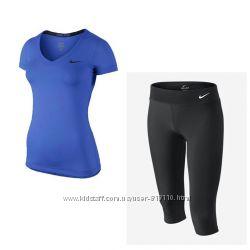 Спортивная футболка и бриджи Nike