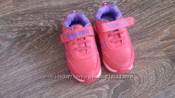 Новые детские кроссовки от Fashion. Размер 26 . Стелька 15 см.  Красивые ,