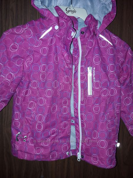 В наличии куртка-ветровка Icepeak 104 см. Куртка 3-4 года