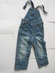 Продам джинсовый комбинезон на подкладке Mothercare