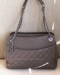 Сумка CHANEL Taupe Quilted Lambskin Leather Large Shopping Tote, Оригинал