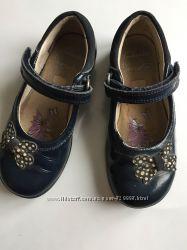 Шкіряні туфельки Clarks 26розміру з мигалками
