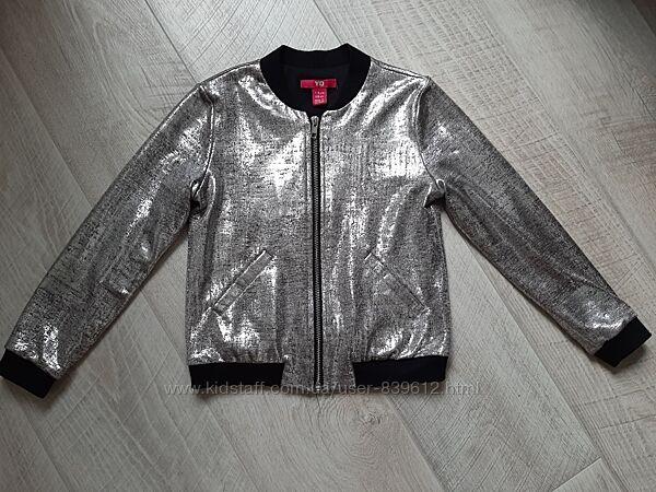 Легкая курточка YD на 6-7 лет.