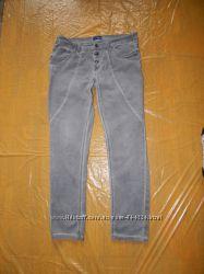 L-XL, поб 50-52, узкачи джинсы скинни Cahrles Vogele укороченные
