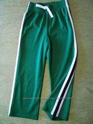 Спортивные штаны на 5-6 лет из Америки.