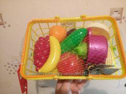 Корзины с овощами и фруктами