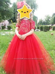 Шикарне плаття з фатіну на випуск