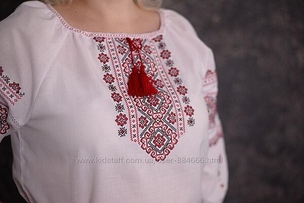 Класическая вышиванка для женщин от 42 до 54 размеров