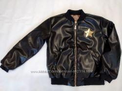 Красивая куртка из экокожи для девочек Звезда 5-7 лет