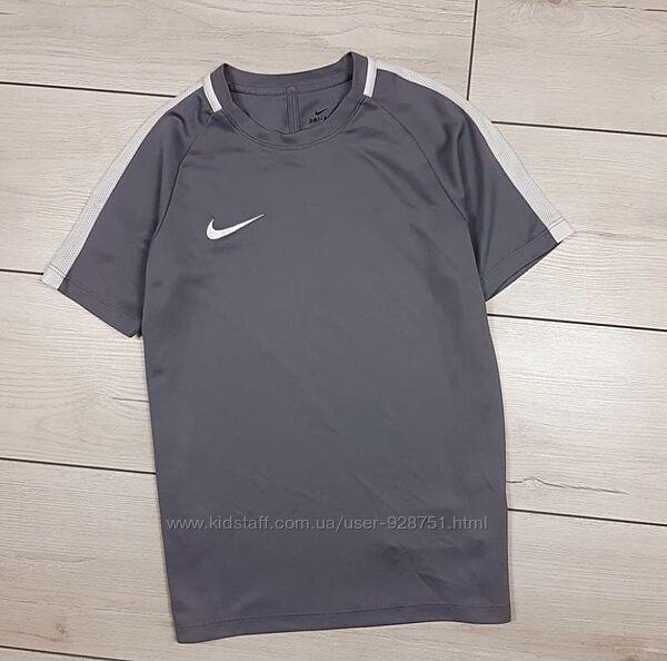 Майка Nike на 9-11 лет