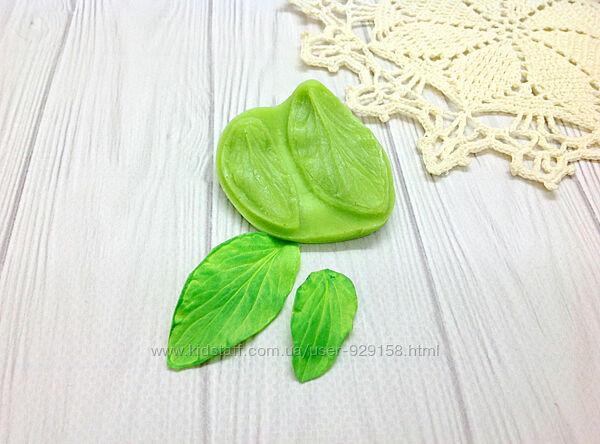 Молд флористический, Лист Анютины глазки, Размер 5 на 5.5 см,1 шт.