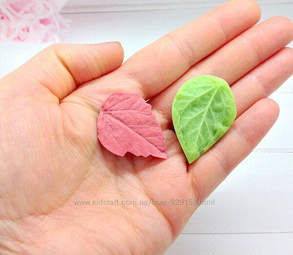 Пластиковый молд Лист мини универсальный, для фоамирана ,4 см на 3 см 1 шт