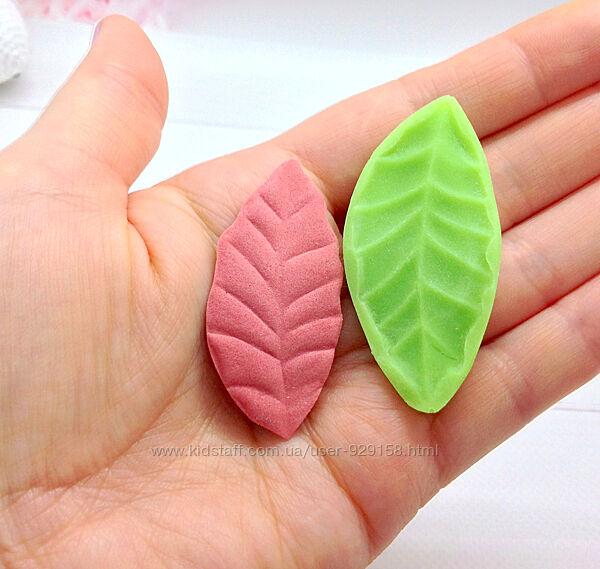 Пластиковый молд Мини лист универсальный, Размер 6 см на 3 см, 1 штука