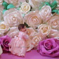 Фото-зона из белых роз