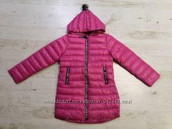Куртки демисезонные для девочек от Glo-Story. Модель с капюшоном, удобная