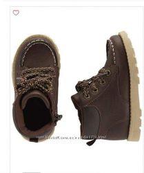 Деми-ботинки фирмы Carters  для мальчика