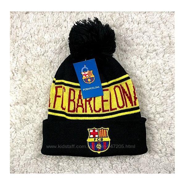 Зимняя шапка с бубоном Барселона черная