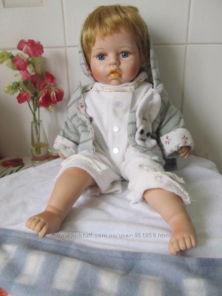 Кукла коллекционная фарфоровая 50 см Италия