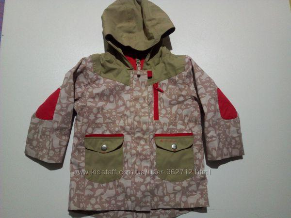 Демисезонная курточка Quechua, на девочку 1, 5-2 года
