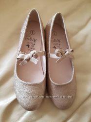 Продам новые нарядные туфли фирмы Accessorize