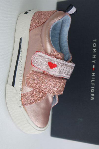 Модные кеды фирма TOMMY HILFIGER, амер. 7, европе -23-24, стелька-15, 2 см