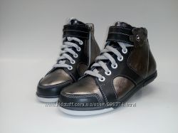 Найдено объявлений в Украине - 52443. ТОП. Ботинки для девочки S-8d.  Серебро. Натуральная кожа. 08cd8439d298a