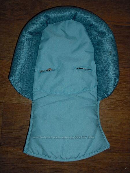 Ортопедический вкладыш для новорожденных в автокресло