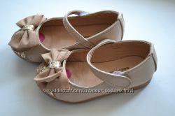 нарядные туфле блестящие 23 размер