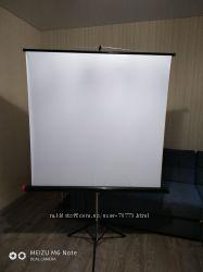 экран переносной на триноге