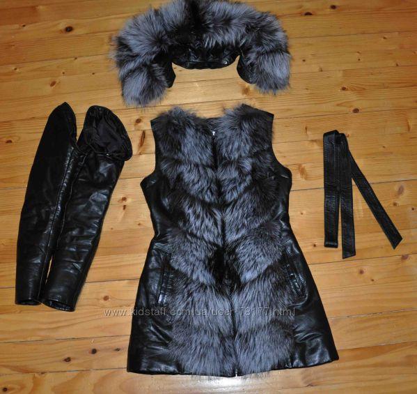зимова шкіряна з хутром куртка, р. S