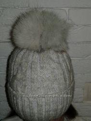 Зимова симпатична дуже тепла шапка. 7-9 років.