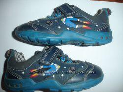 Фирменные Clarks оригинал кроссовки на 21 размер в идеале