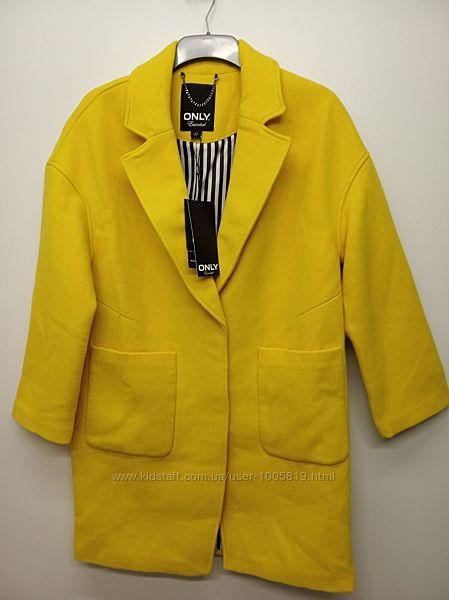 Теплі шерстяні пальто від Only, Данія.