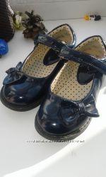 Нарядные лаковые туфельки